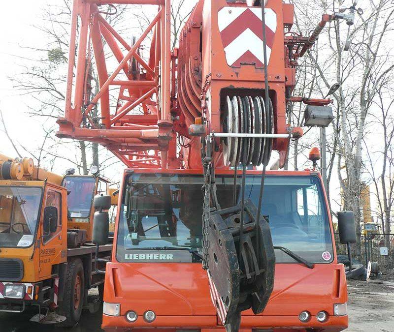 Zastosowanie dźwigów w pracach budowlanych